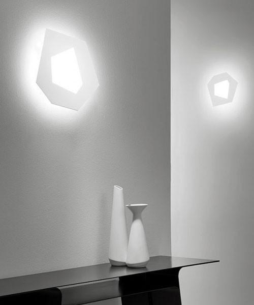 Sforzin pablo piccola lampada moderna da parete a for Parete attrezzata moderna piccola